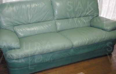 [After] 革の補修・塗装による表面リペアとウレタンの追加補充により、座り心地も良くなり、新品同様!