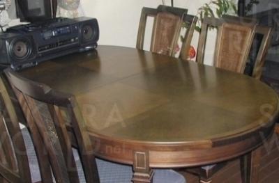 [Before] テーブルに傷とイスの座と背にやぶれがあり、修理のご相談。約15年使用。