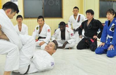 総合格闘技クラス キックボクシングクラス ブラジリアン柔術クラス 全クラス通い放題