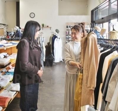流行りの着こなしも、店員さんが親身になって教えてくれる!