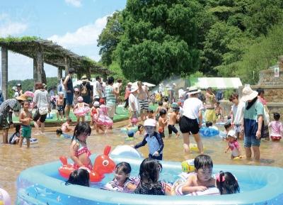 キッズサマー「水遊びわんぱく広場」