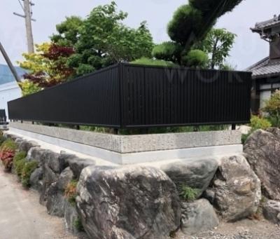 手入れが大変な植栽塀をチェンジ!