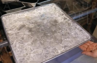 結晶した氷砂糖の様子。