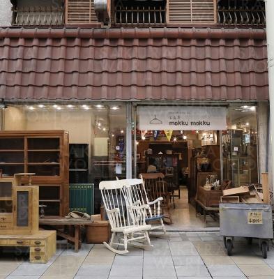 店舗は柳ヶ瀬商店街の閉店した呉服店をリノベーション。ところどころ、名残りを感じられるところも。