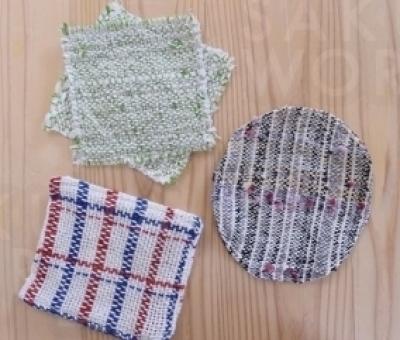さをり織りで作ったコース ター。お好きなものを選べる♪