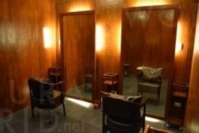 日本人のお客様はVIPルームへ優先的にご案内。